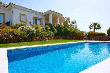 Important Factors To Consider Before Building A Swimming Pool